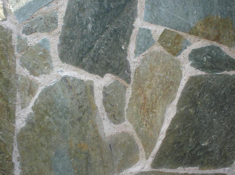 Piatra Naturala Neregulata Karistu Verde Maro